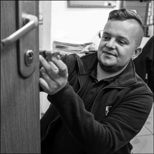 Zakładanie zamków w drzwiach Gliwice